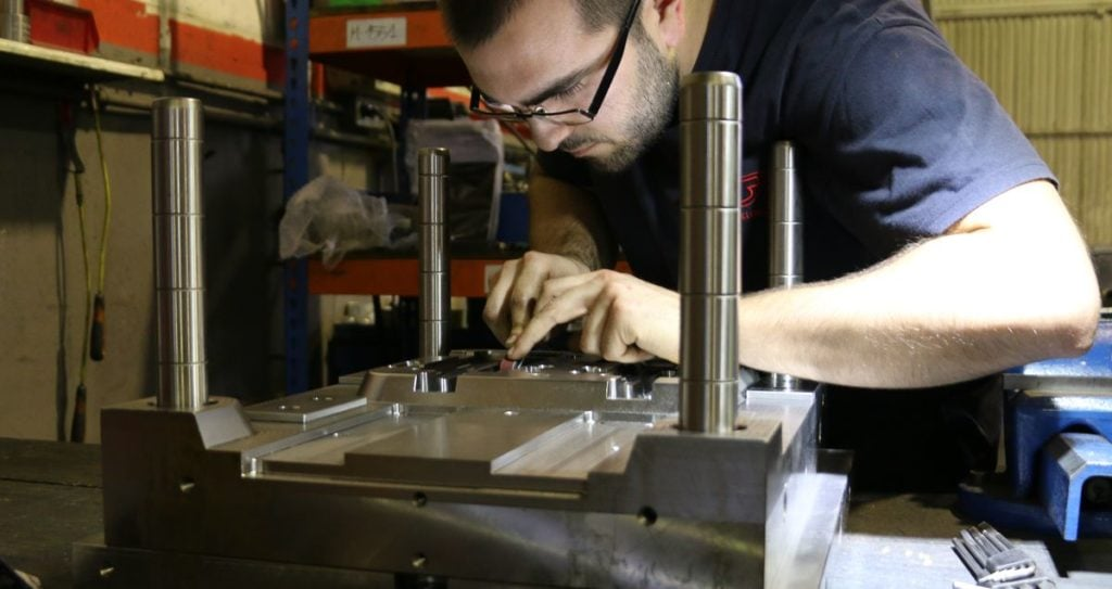 Manufacturing a mould